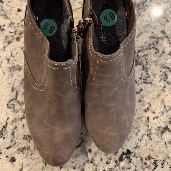 NWT Dr Scholls Booties size 8.5